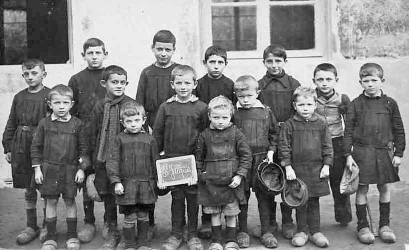 uniforme scolaire dans l'école publique ne devait pas ...