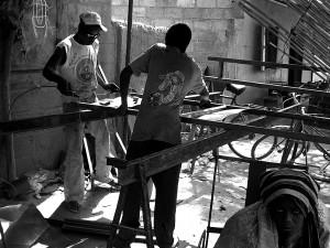 Apprentis forgerons à Diébougou