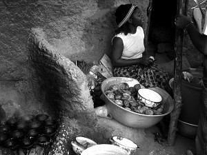 Vendeuse de beignets à Guelwongo
