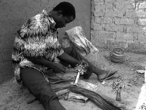 Artisan fondeur à Ouagadougou